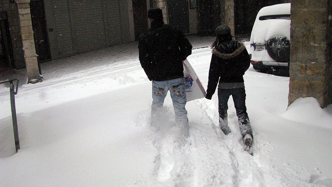 La comarca dels Ports, totalment col·lapsada per la major nevada en dècades